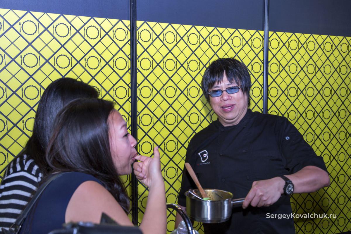 Ежегодный кулинарный фестиваль в Сингапуре