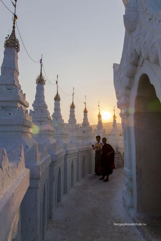 Мьянма. Мингун